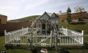 wordd-most-expensive-dog-house-1_ij4p5_65